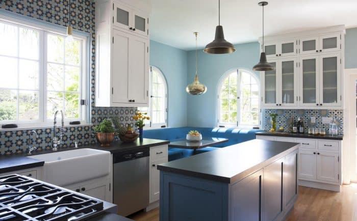 Dapur Biru Kombinasi Putih