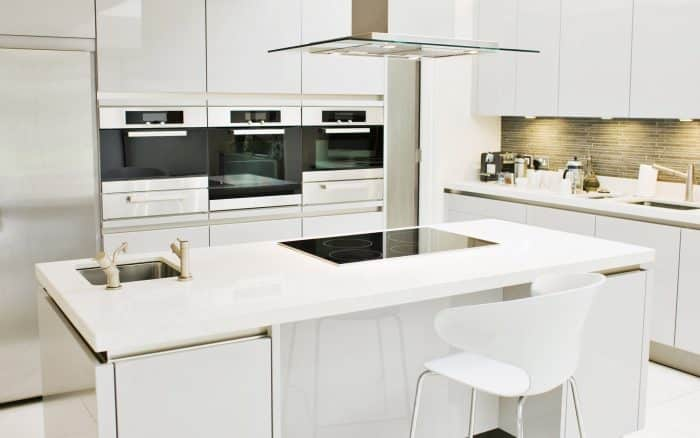 Dapur Kombinasi Model Island dan Double Line