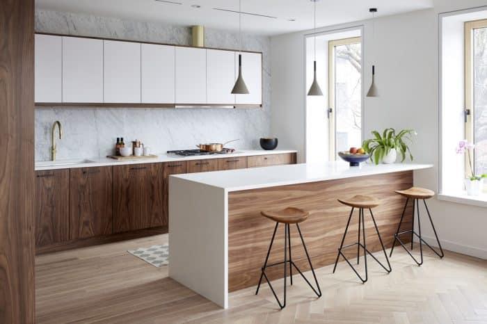 Dapur Mini Kombinasi Putih dan Warna Kayu