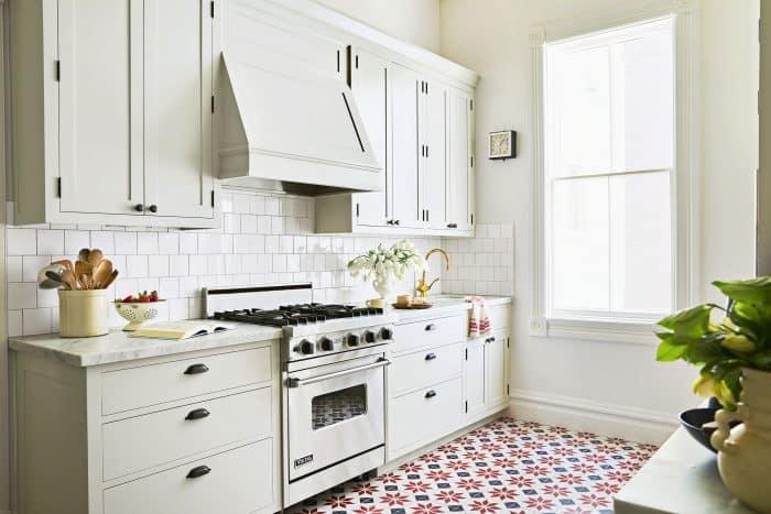 Dapur Putih Ala Belanda