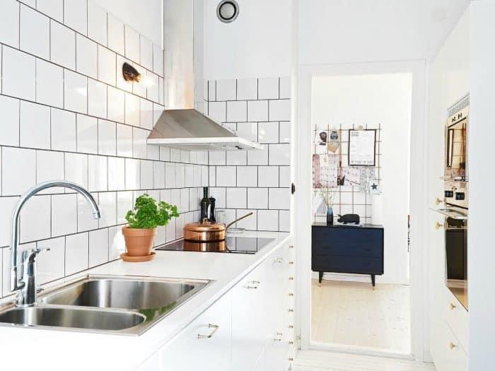 Dapur Putih Single Line Ukuran 2 meter