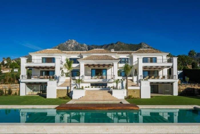 Desain Rumah Mewah Tiga Lantai
