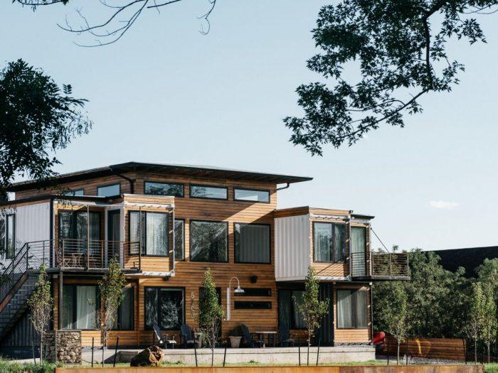 Desain Rumah Modern Konsep Coklat Kayu