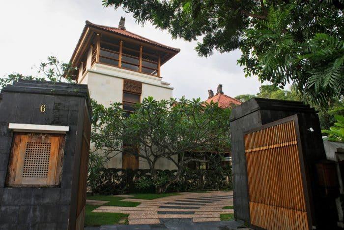 Desain Rumah Semi Tradisional Bali Besar