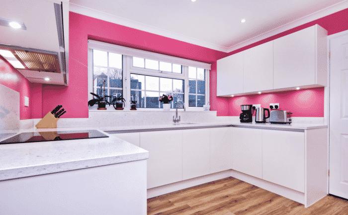 Contoh Desain Dapur Warna Pink Tercantik