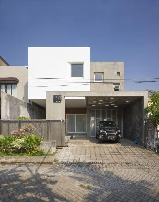 35+ Contoh Desain Rumah Lantai 2 yang Menawan(Cantik)