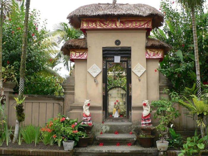 Rumah Bali dengan Gapura