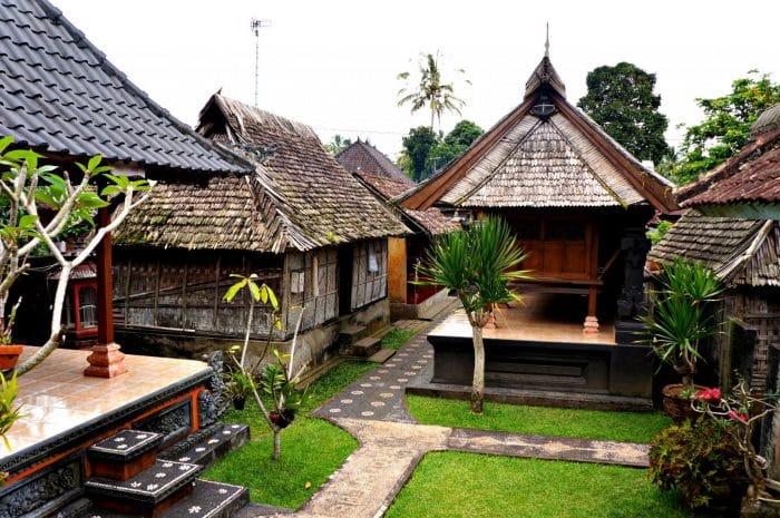 Rumah Bali yang Luas