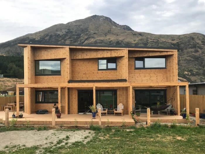 Rumah Kayu Geometria Atap Sandar
