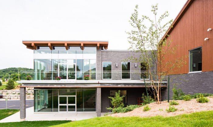 Rumah Kontemporer Modern Hemat Energi
