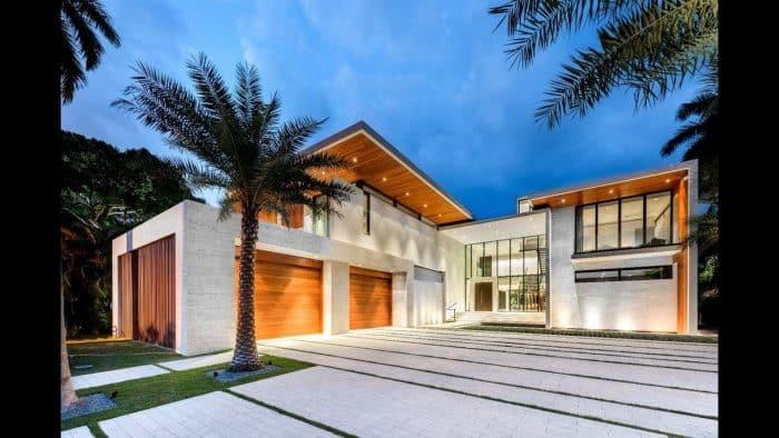 Rumah Mewah Bentuk L