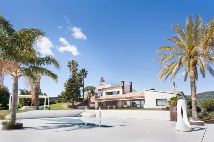 Rumah Mewah Bergaya Pantai