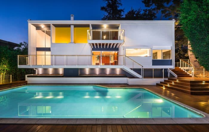 Rumah Mewah Modern Persegi Panjang