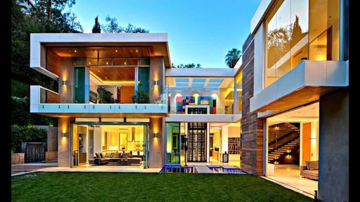 Rumah Mewah Bentuk U
