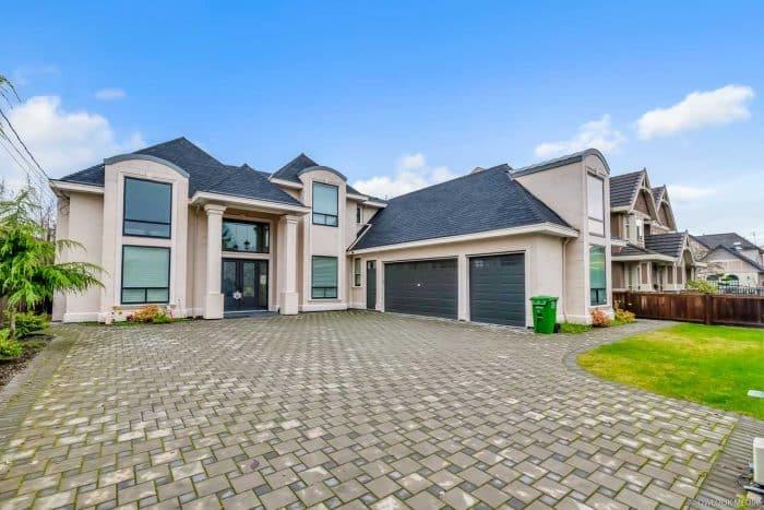 Rumah Modern Eropa Bentuk L