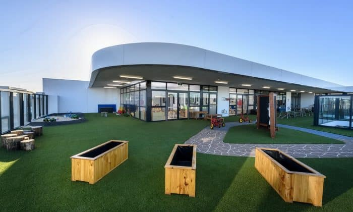 Rumah Modern Futuristik Hemat Energi