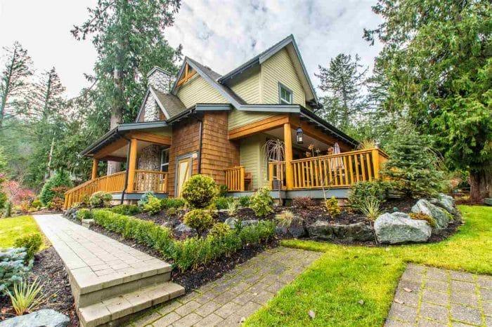 Rumah Modern Rustic nan Atraktif