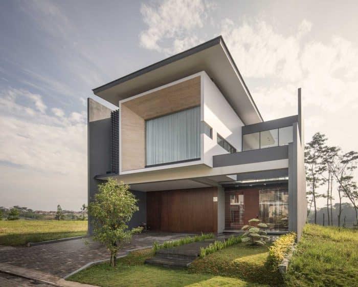Rumah dengan bentuk meninggi