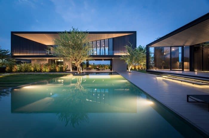 Rumah desain modern elegan lebar samping