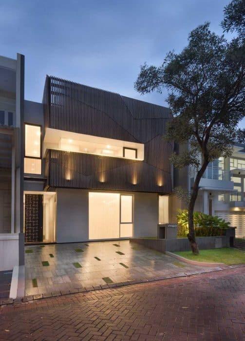 Rumah kayu modern 2 lantai